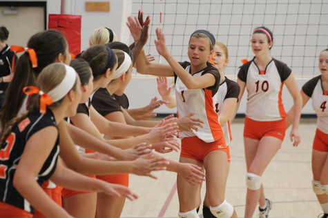 Freshman volleyball starts 2014 campaign