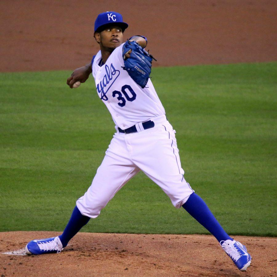 Ventura+pitches+in+a+2015+game.