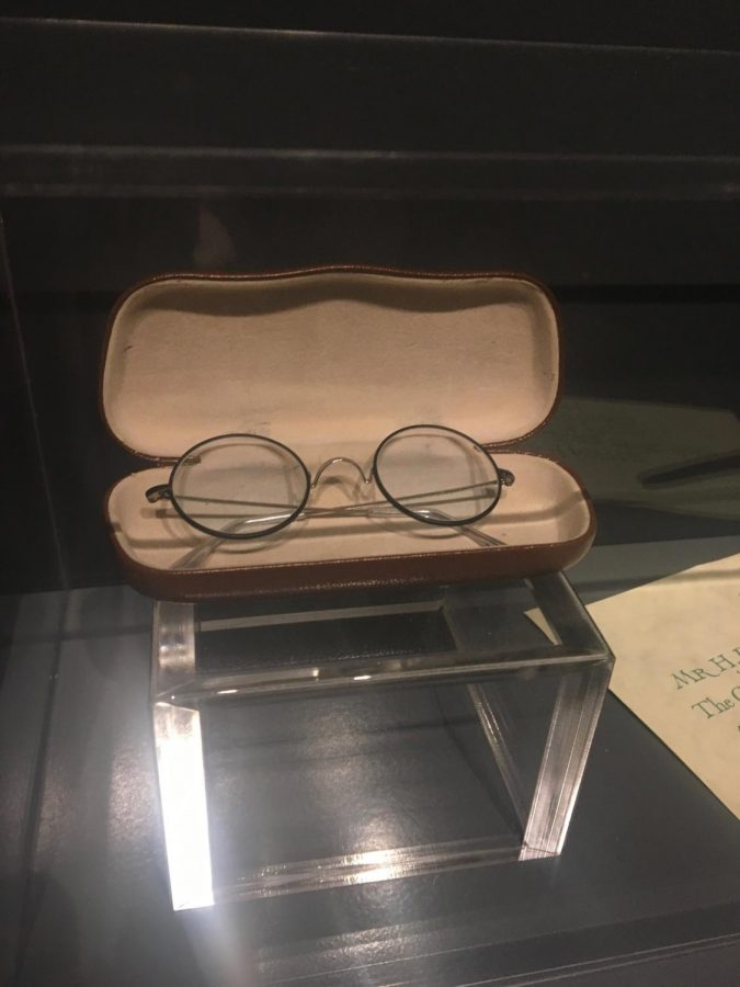 This picture of Harry's glasses was taken in London, England at the Warner Brothers Studio