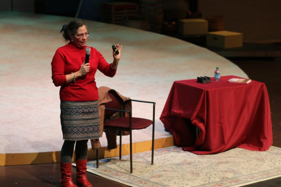 Author Elizabeth Wein visits PNHS