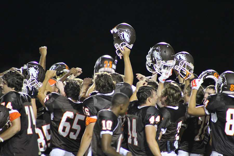Huskies celebrate after win over BC Lakeview