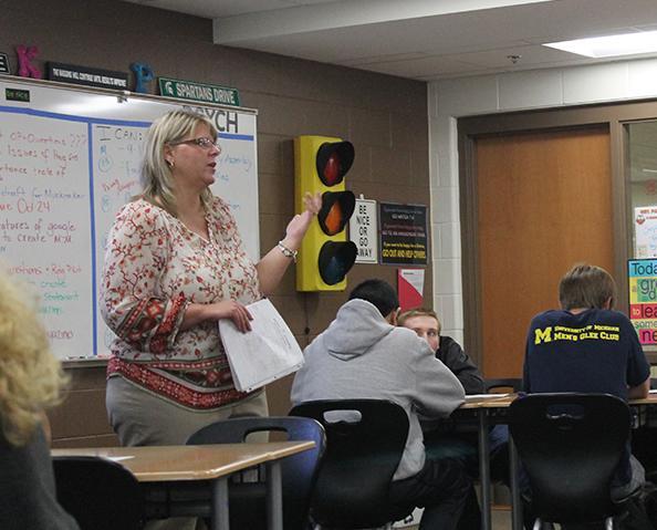 Mrs. Palmer teaching her 6th hour psychology class.