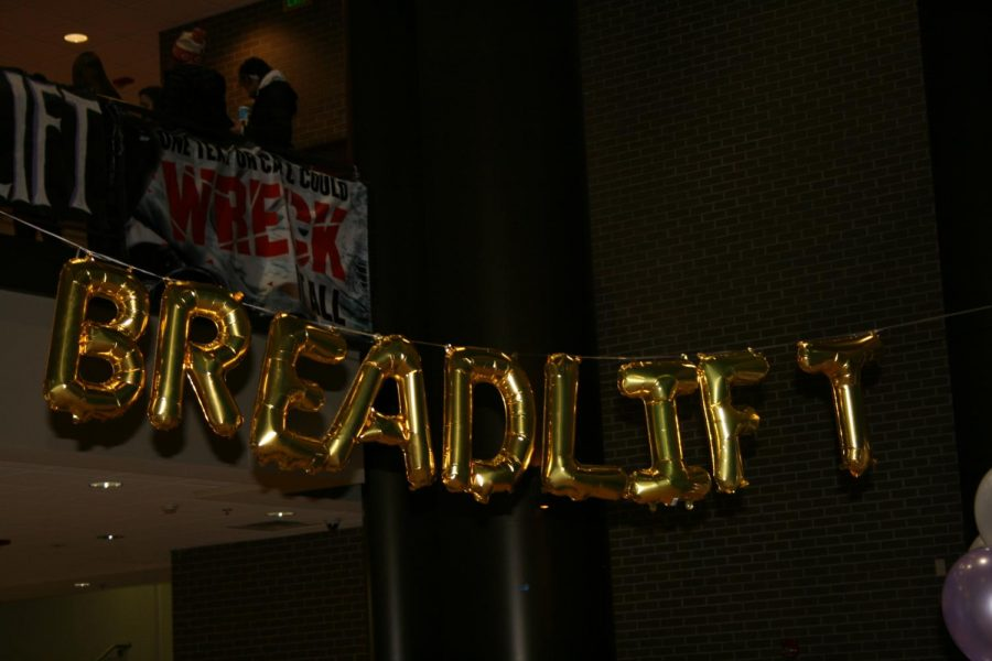 Breadlift+is+a+very+popular+volunteer+opportunity+for+all+PNHS+students+to+raise+money+for+the+March+of+Dimes.