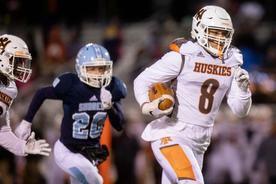 Huskies end football season in regional play against Mona Shores