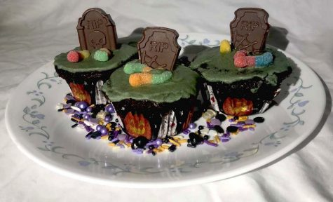 These spooky cupcakes are great for Fall.